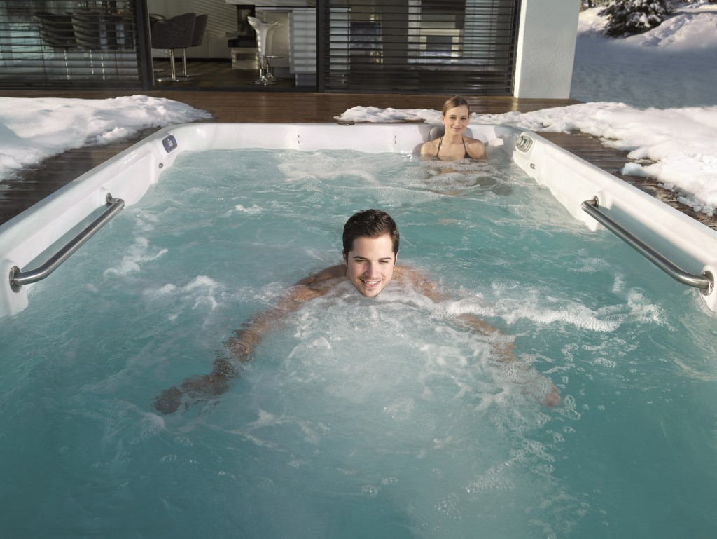 Norfolk spa and leisure tidal fit norfolk spa and leisure for Swimming pool with spa
